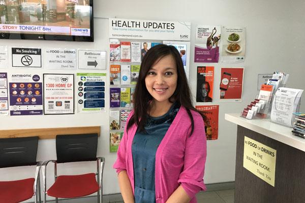 Dr Elaine Hoang